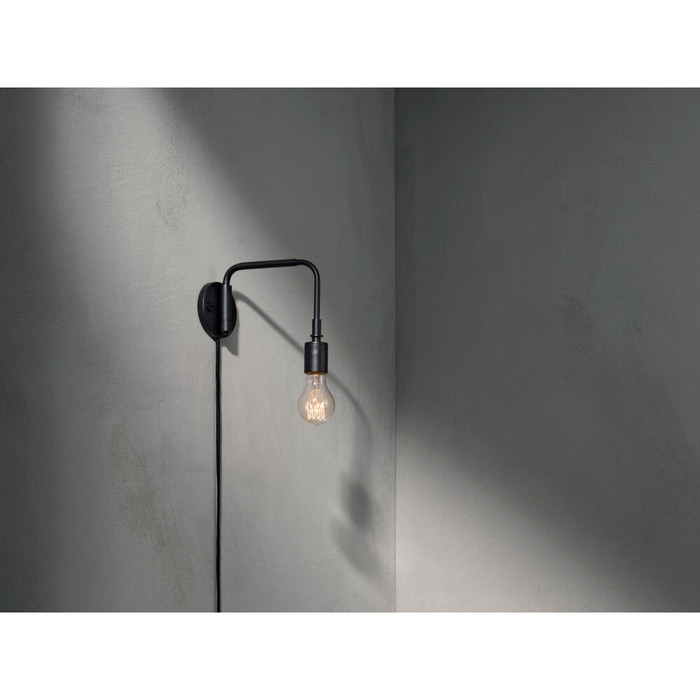 5709262976690 1960539 staple wall lamp black 2