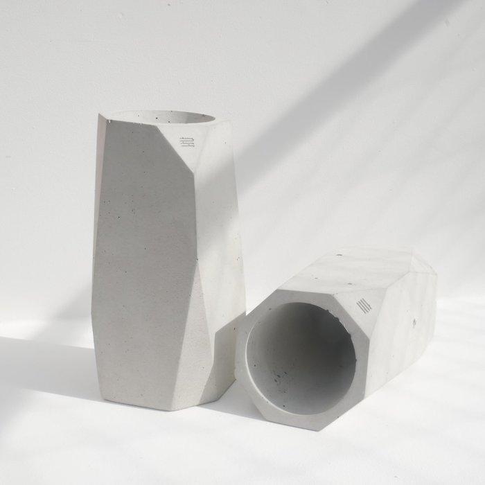 Large vase bottle holder 125 1200x1200