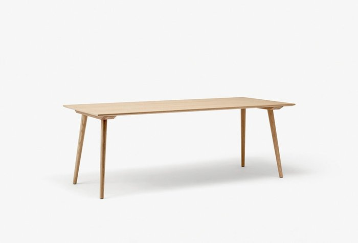 Inbetween table sk5 oak.w1400