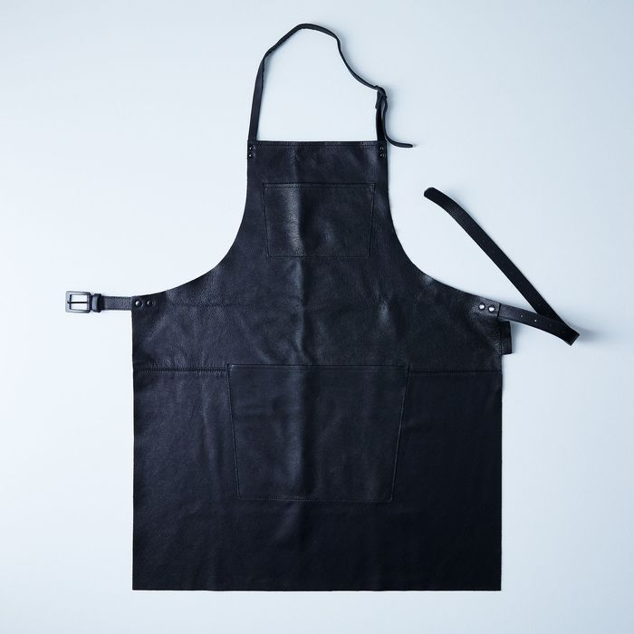 29029c0c 828c 42c8 bb59 353b06cce909  2017 1120 dutchdeluxes dutch leather apron black classic silo ty mecham 004