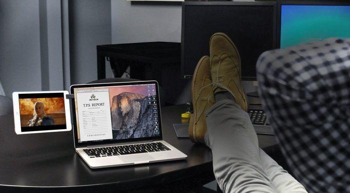 Pd mountie foot desk