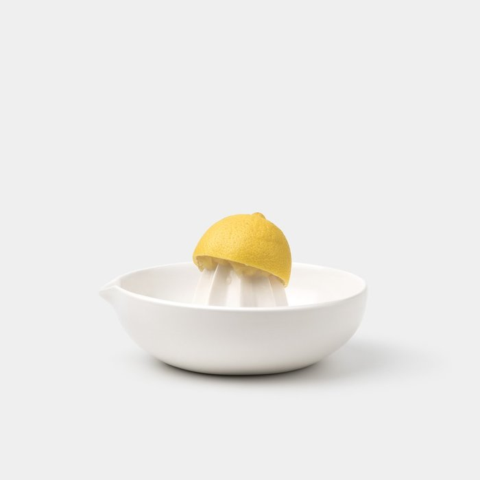 Gidon bing citrus juicer satin white lemon 1024x
